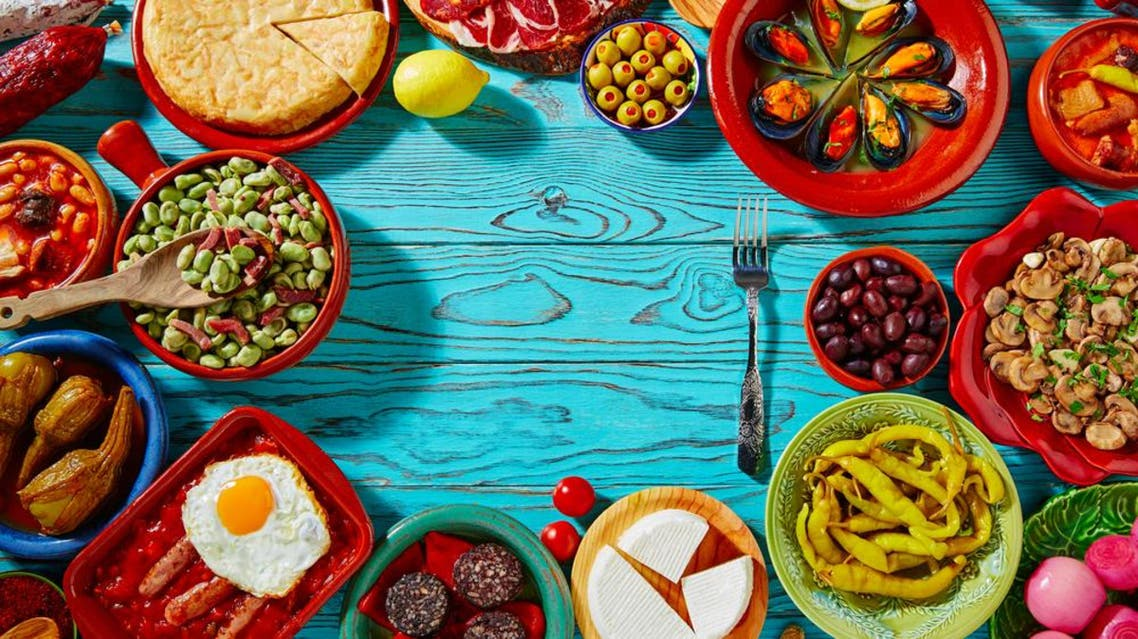 It's amazing how we can practice so much control while we're fasting, yet so many times we choose to overeat at the iftar table. (Shutterstock)
