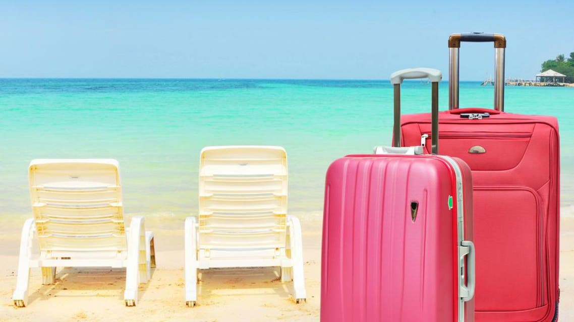 Here are the must-haves in beauty and fashion for your suitcase. (Shutterstock)