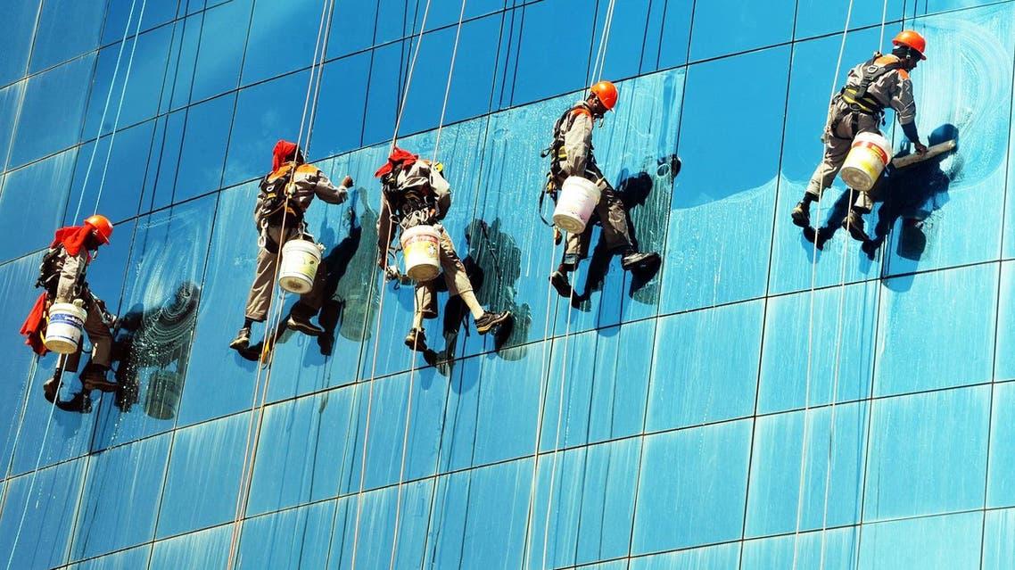 saudi arabia workers heat sun AFP