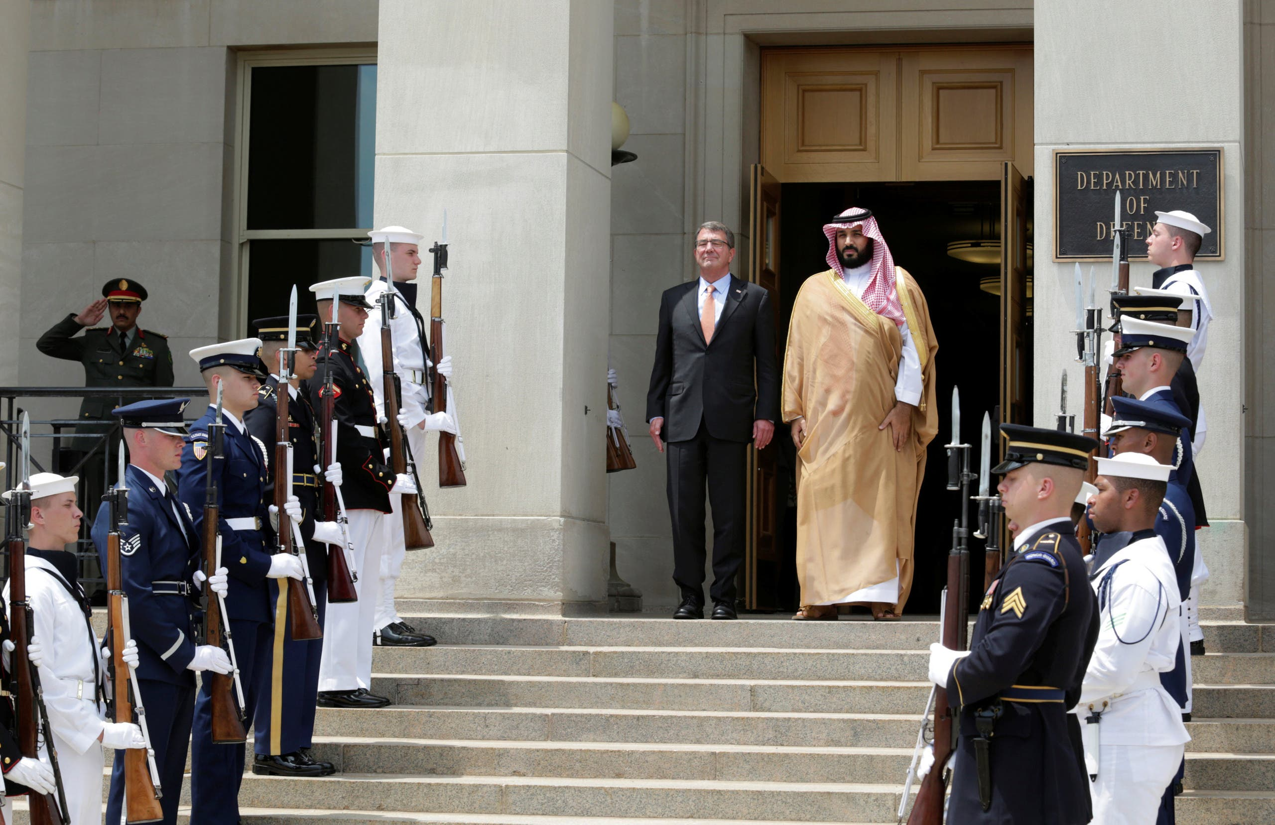 US Secretary of Defense Ash Carter (C-L) hosts an enhanced honor cordon to welcome Saudi Arabia's Deputy Crown Prince and Minister of Defense Mohammed bin Salman to the Pentagon in Washington, June 16, 2016.  (Reuters)
