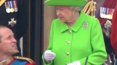 """فيديو للملكة اليزابيث وهي """"تنهر"""" حفيدها الأمير وليام"""
