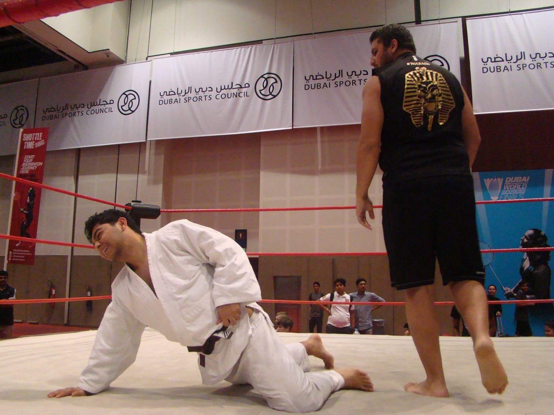 The Pharoah encircles Khaleel Khan after a throwdown. (Tarek Ali Ahmad, Al Arabiya English)