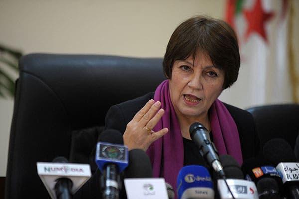 نورية بن غبريت وزيرة التربية الجزائرية