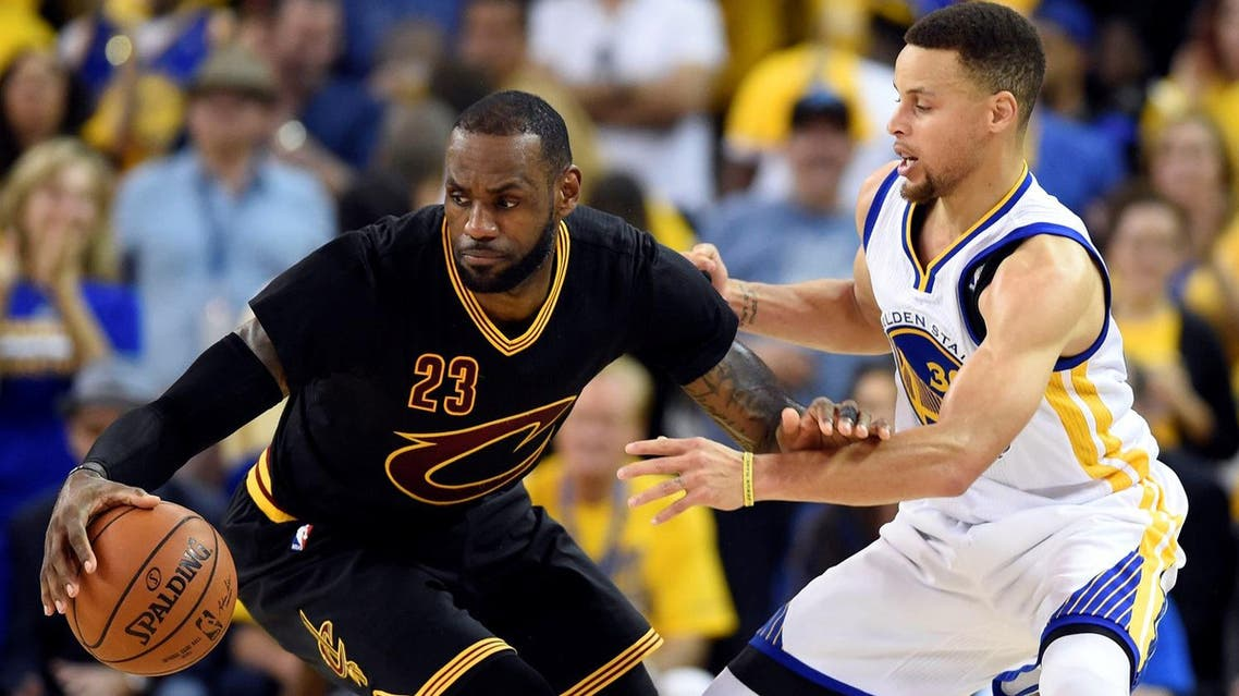 un 19, 2016; Oakland, CA, USA; Cleveland Cavaliers forward LeBron James (23) handles the ball against Golden State Warriors guard Stephen Curry (30) during the third quarter in game seven of the NBA Finals at Oracle Arena. Mandatory Credit: Bob Donnan, REUTERS
