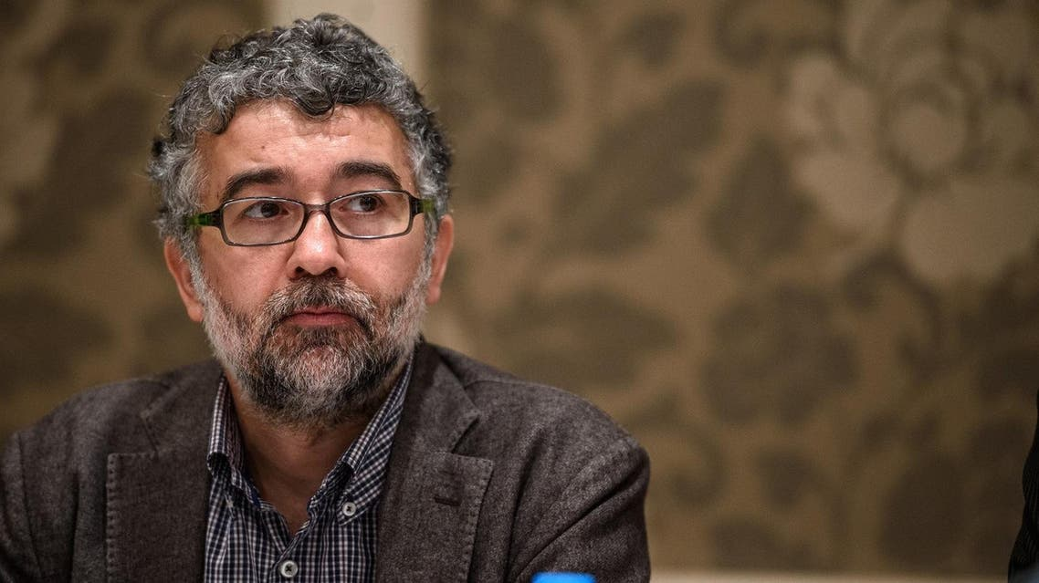 A picture taken on March 2, 2016 shows Erol Onderoglu, the Turkey representative for international rights group Reporters Without Borders (RSF), during a press meeting in Istanbul. (AFP)