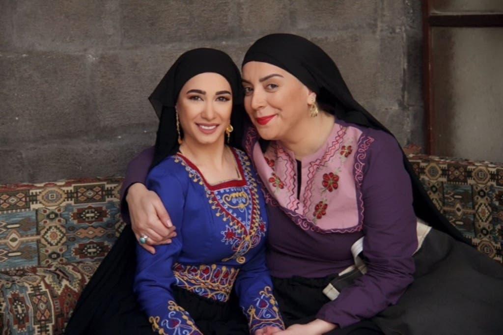 شكران في خاتون مع ابنتها