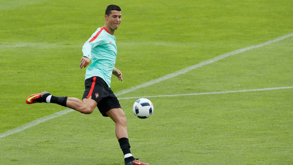 Cristiano Ronaldo euro 2016 training (reuters)