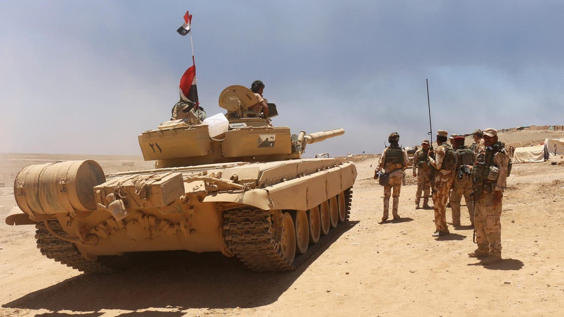 جنود عراقيون يتحضرون جنوب الموصل لتحرير المدينة