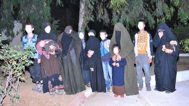 الجزائر.. عائلتا إرهابيين تسلمان أنفسهم هرباً من العنف