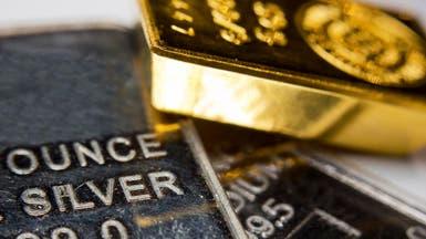 الذهب يصعد مع تراجع الأسهم وضعف بيانات أميركية