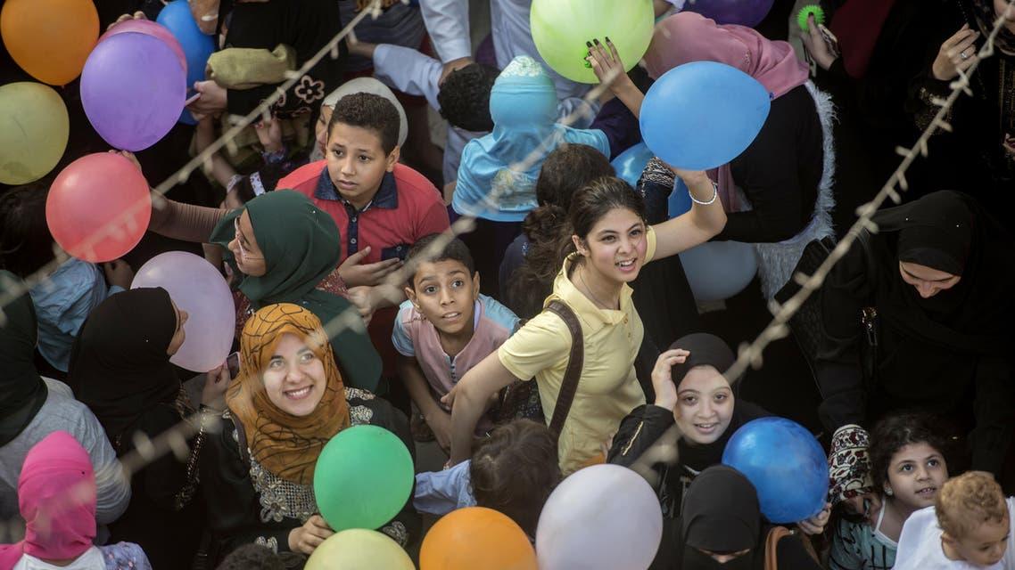 Muslims mark Eid Al Fitr worldwide