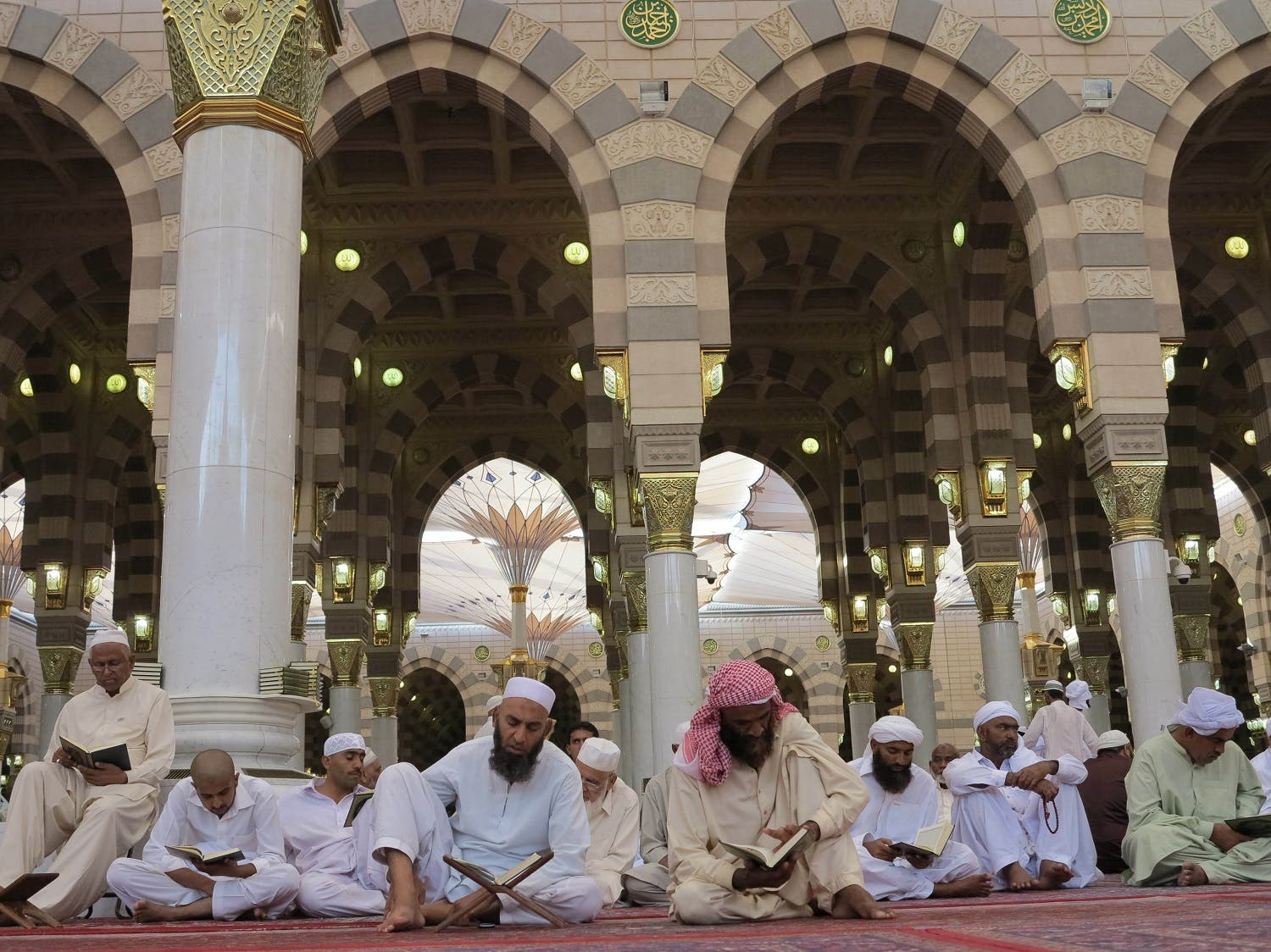 Worshippers read Islam's holy book Quran at the Prophet Mohammad's Mosque in Medinah (File Photo: AP)
