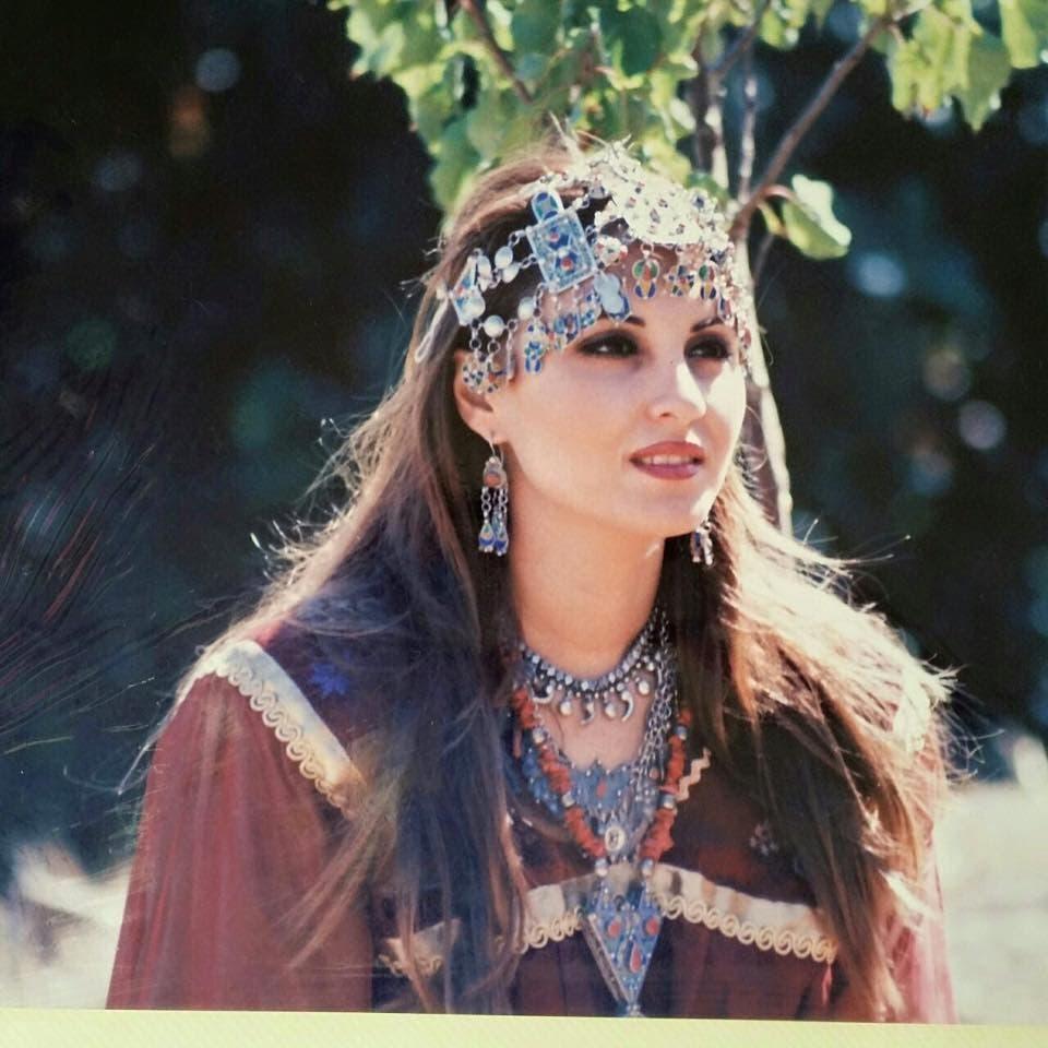 رانيا شقيقة الإعلامية انيا الافندي