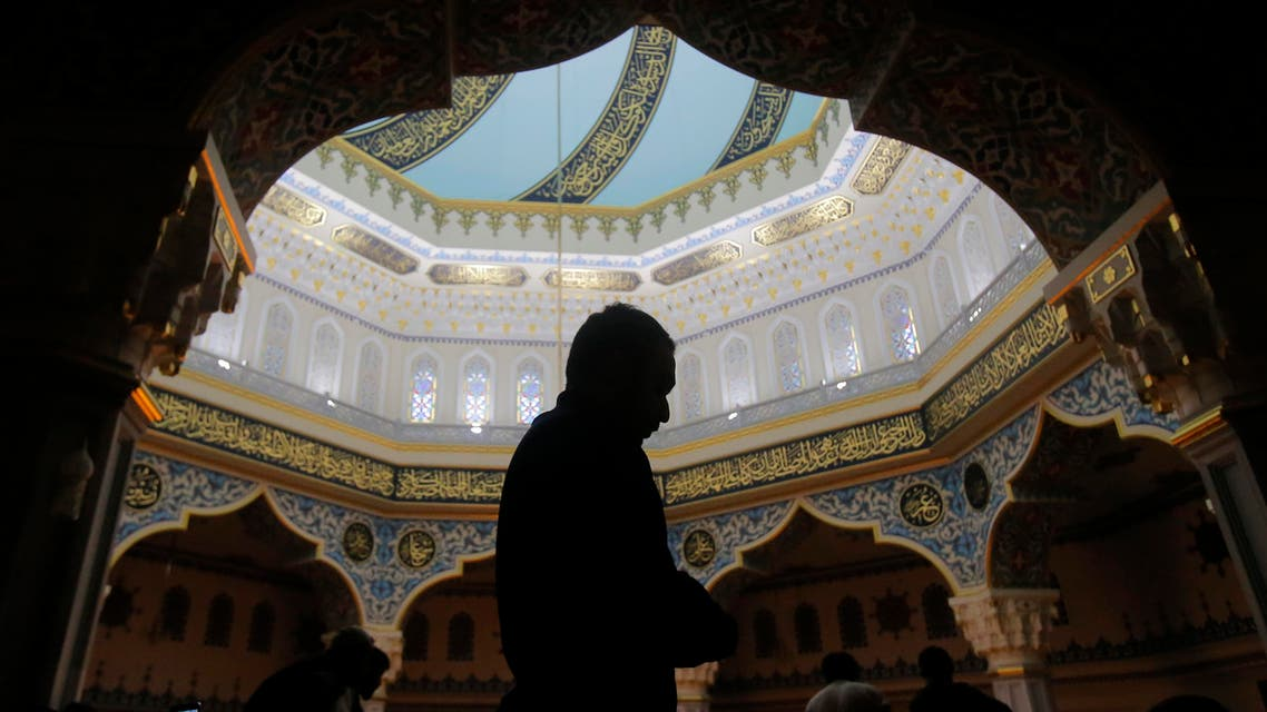 Muslims pray during Friday prayer service at Moscow's grand mosque in Rissia, March 4, 2016. (Reuters)
