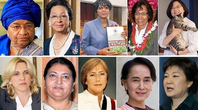فوق من اليمين، رئيسة جمهورية تايوان تساي إنغ-وين، ورئيسة جمهورية جزر المارشال هيلدا هاين، ورئيسة وزراء ناميبيا سارا كوجونجيلوا، ثم الحاكمة العامة لجزر الباهاما مارغريت بندليك، وبعدها رئيسة ليبيريا ايلين سيرلياف. أما تحت من اليمين، فرئيسة كوريا الجنوبية باك غن هيه، ثم أون سان سو تشي التي يتولى حزبها الحكم في بورما، ثم رئيسة التشيلي ميشيل باشليت، ثم رئيسة النيبال بيديا ديفي بهانداري، وبعدها رئيسة الوزراء في جمهورية الصرب البوسنية
