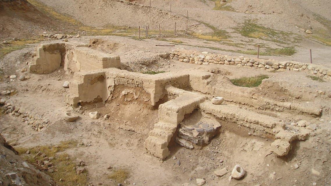تل السلطان في أريحا وهو من أقدم المساكن الأثرية المعثور عليها حتى الآن - ويكبيديا