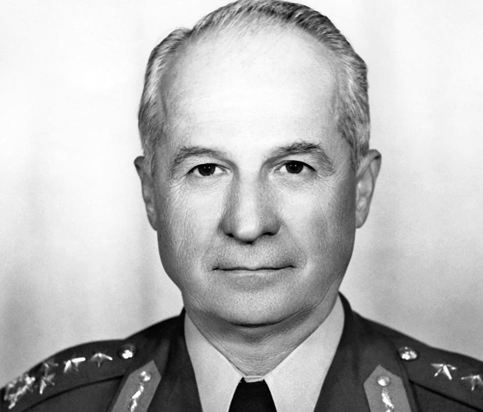 -Archive) A photo dated 1977 shows Turkey's Army Commander General Kenan Evren. Backed by the United States, Evren's junta toppled the government on September 12, 1980 after a bloody struggle between rightist and leftist militants had left the political leadership helpless and plunged the NATO country into chaos amid Cold War jitters. AFP PHOTO