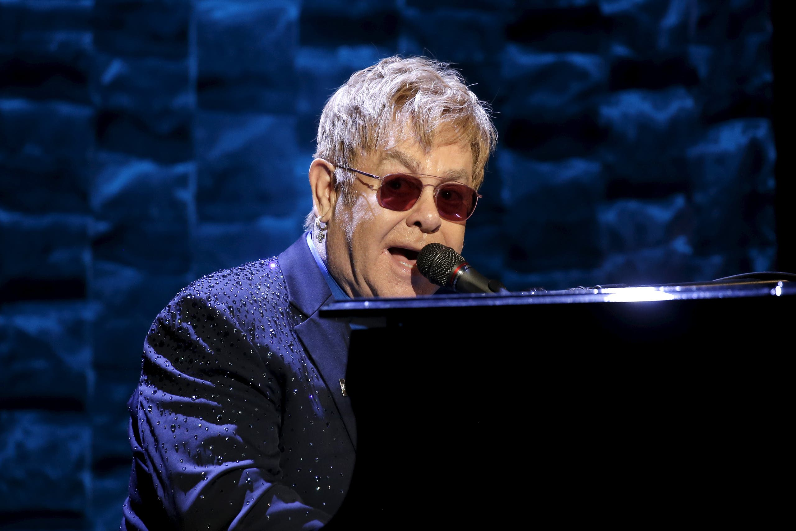 Singer Elton John performs at the Hillary Victory Fund at Radio City Music Hall in the Manhattan borough of New York City, March 2, 2016. (Reuters)