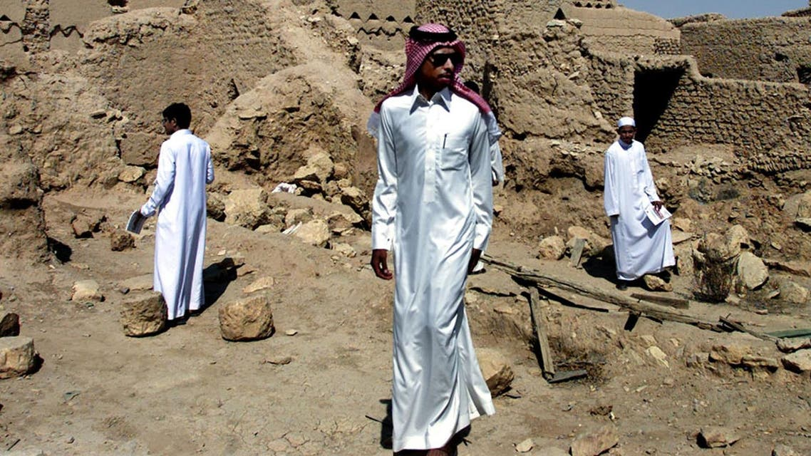An investor in the tourism sector, Saeed Al-Qahtani, was quoted by Makkah newspaper as saying that hot weather in Saudi Arabia forced many people to stay indoors during the break. (File photo: Reuters)