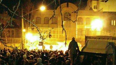 """إيران.. محاكمة """"صورية"""" و""""هزلية"""" لمقتحمي سفارة السعودية"""