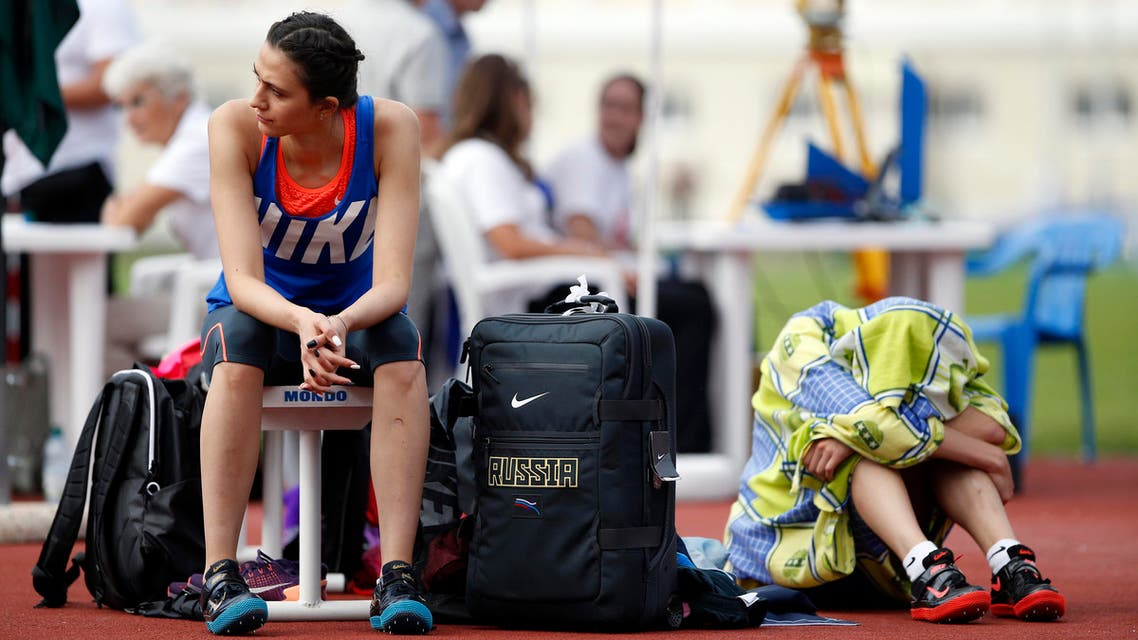 Russia's Maria Kuchina, left, and Natalya Aksyonova prepare to compete in Russian Athletics Cup, at Zhukovsky, outside Moscow, Russia, Thursday, July 21, 2016. (ap)