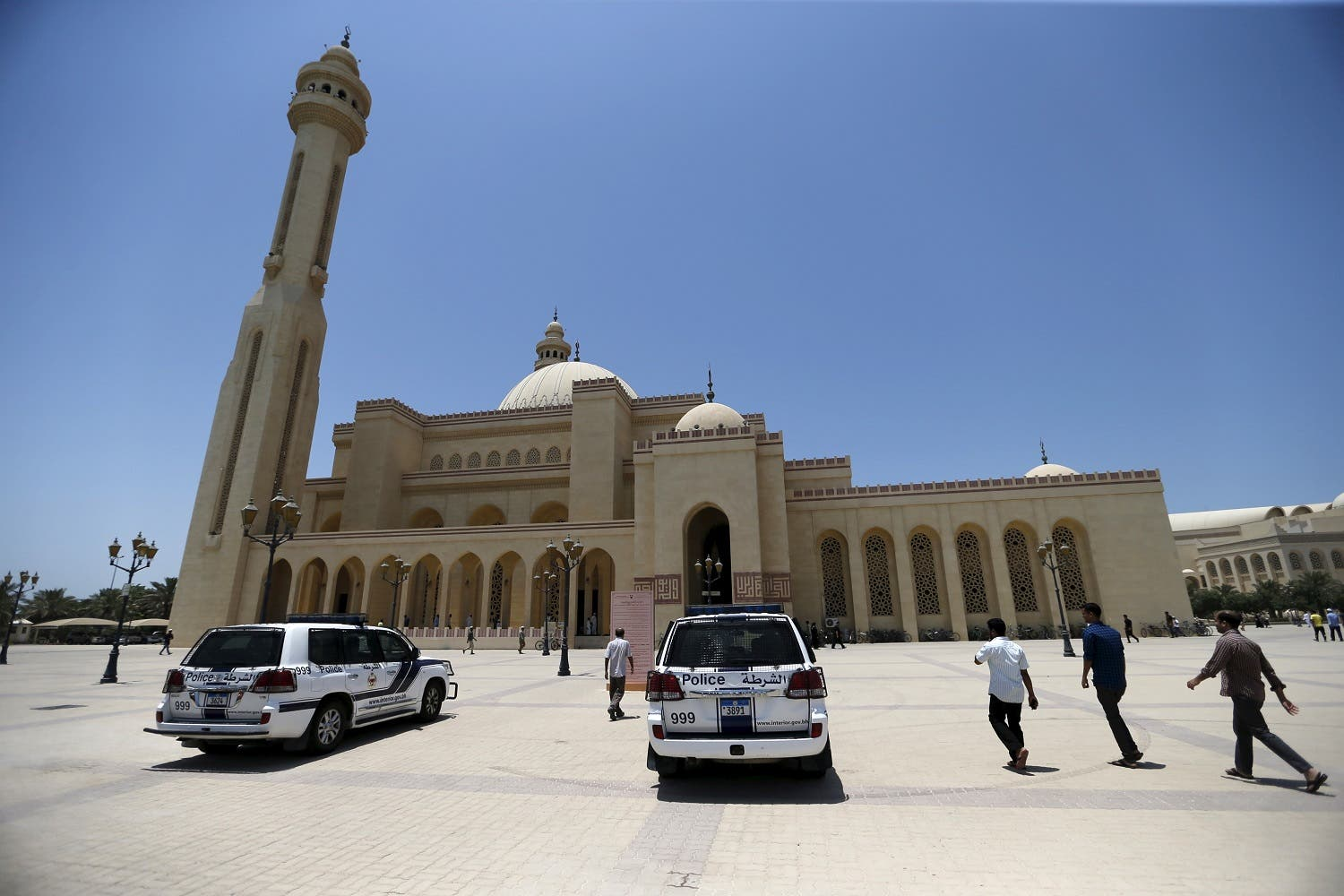 Police patrol vehicles are parked outside the main entrances of Bahrain's al-Fateh Grand Mosque. (File photo: Reuters)