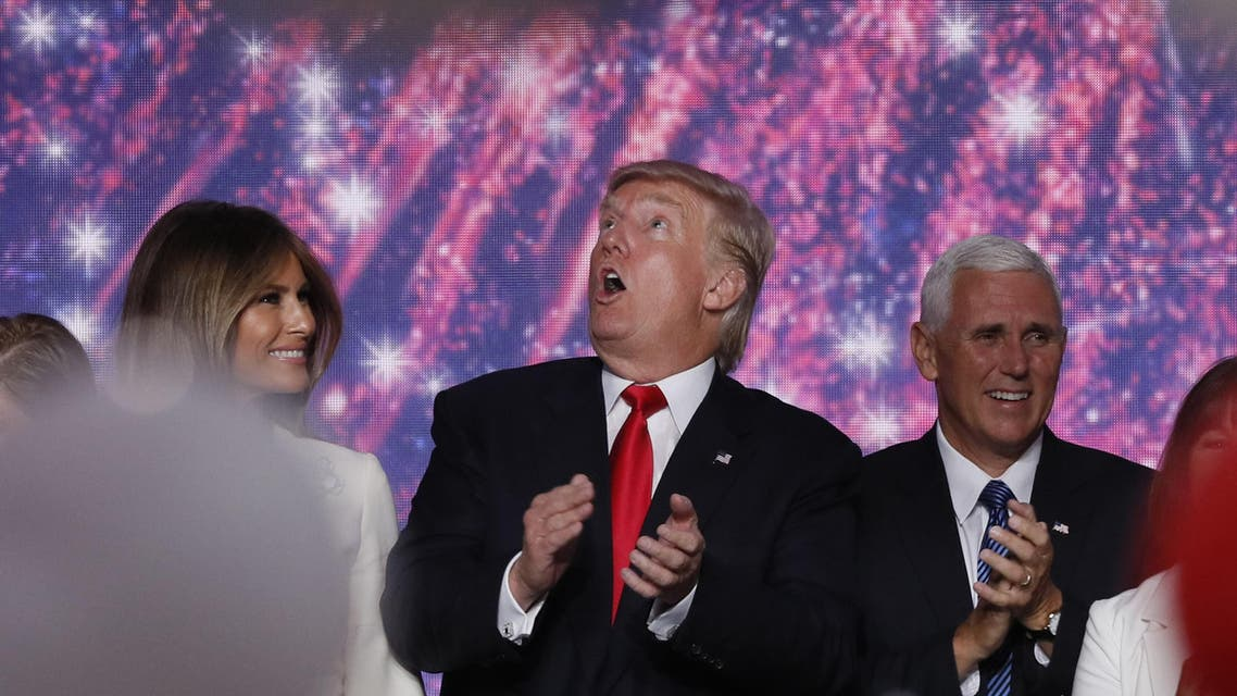 Republican U.S. presidential nominee Donald Trump (C) and vice presidential nominee Mike Pence (R) celebrate with family as balloons fall at the conclusion of the Republican National Convention in Cleveland, Ohio, U.S. July 21, 2016. (Reuters)