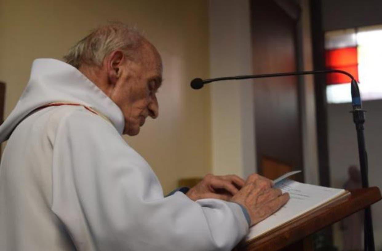 الكاهن الذي قتل ذبحاً بالكنيسة الفرنسية