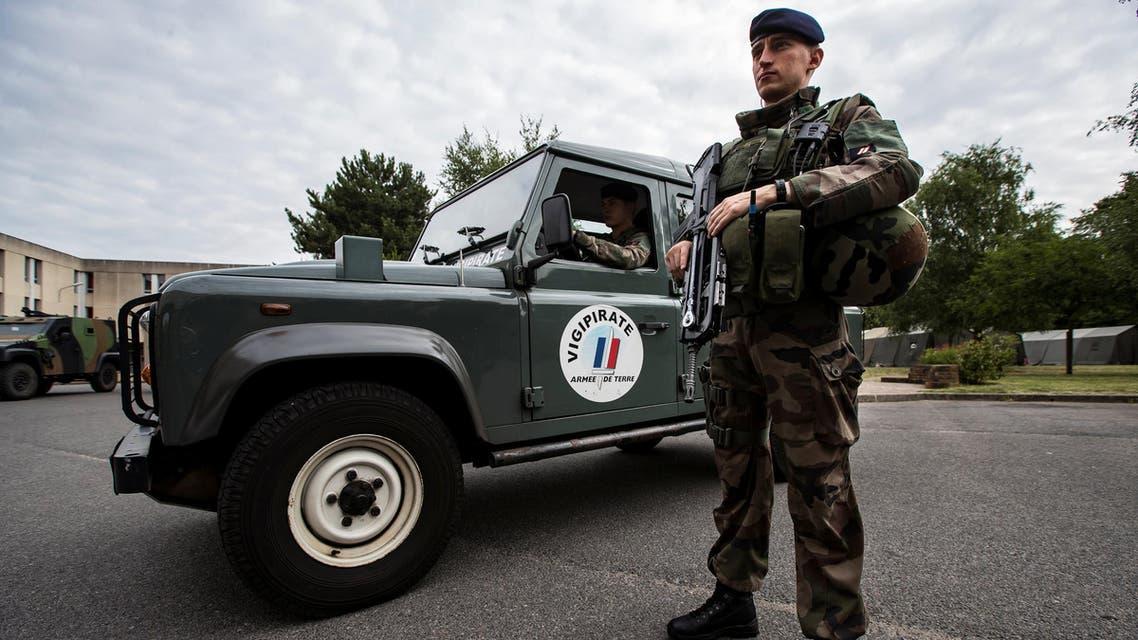 جندي فرنسي عسكري فرنسي الجيش الفرنسي جيش فرنسا