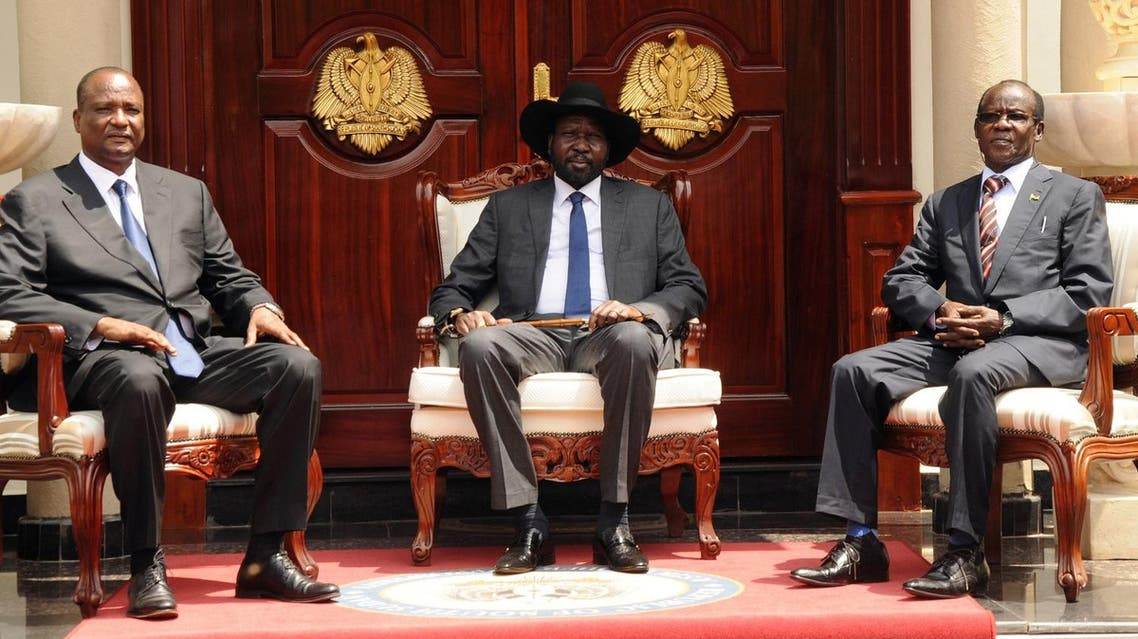 South Sudan's President Salva Kiir (C) poses for a photograph with First Vice President Taban Deng Gai (L) and Second Vice President James Wani Igga (R) at the Presidential Palace in the capital of Juba, South Sudan, July 26, 2016. REUTERS/