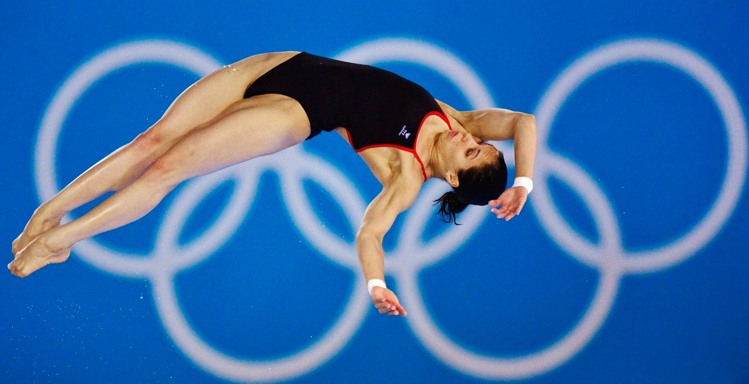 Russia's Yulia Koltunova performs a dive during the women's 10m platform semi-final at the London 2012 Olympic Games at the Aquatics Centre August 9, 2012. REUTERS/Toby Melville (BRITAIN - Tags: OLYMPICS SPORT DIVING)