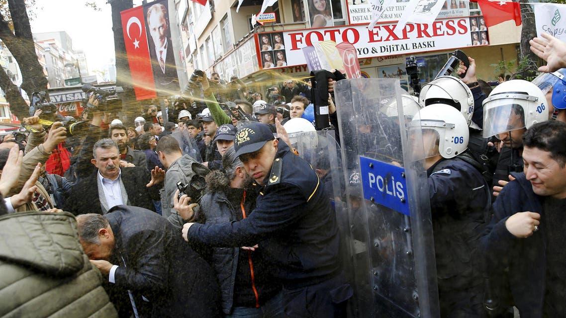 Turkey remands 17 journalists in custody over links to Gulen