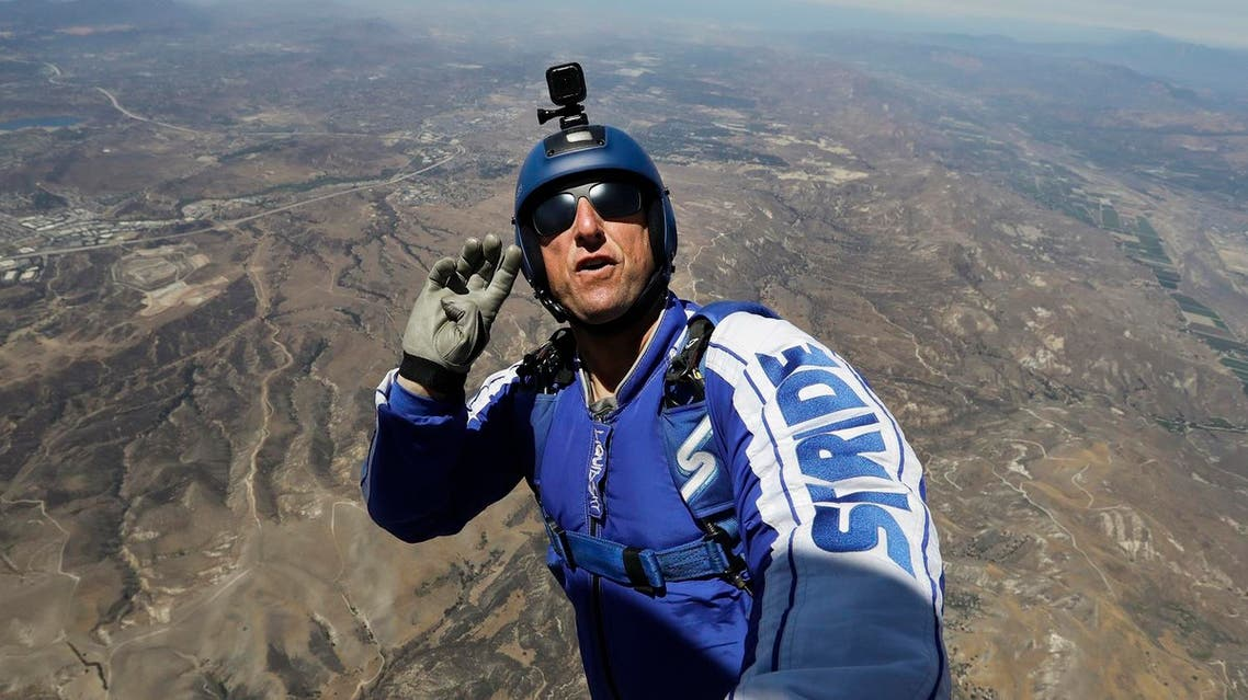 aikins skydiving stunt with no parachute