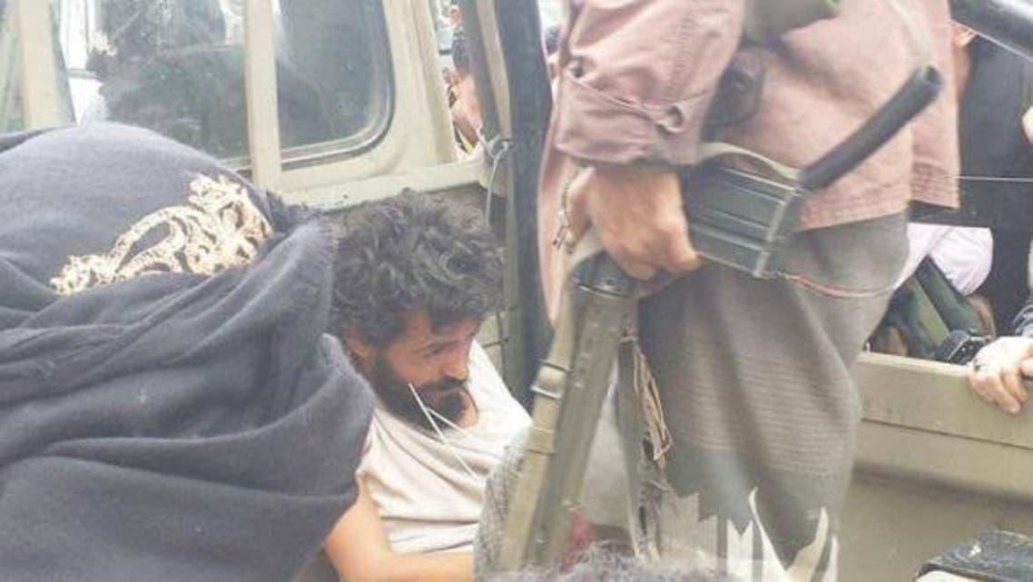 قناص حوثي بيد قوات الشرعية
