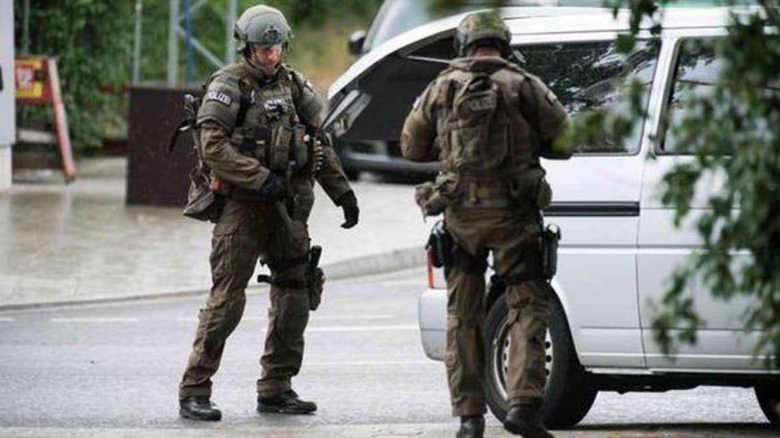 الأمن الألماني يتمركز بجوار المطعم