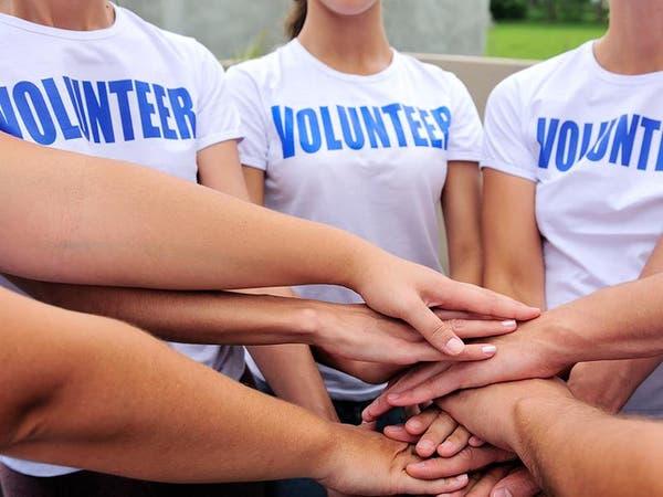 العمل التطوعي يحسن الصحة العقلية.. لكن بعد سن الـ40