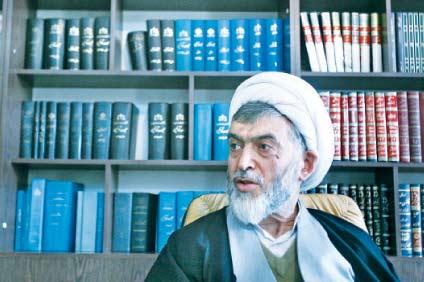 حسين علي نيري رئيس لجنة الموت