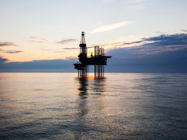 النفط يرتفع 2% وبرنت يتجاوز 60 دولاراً للبرميل