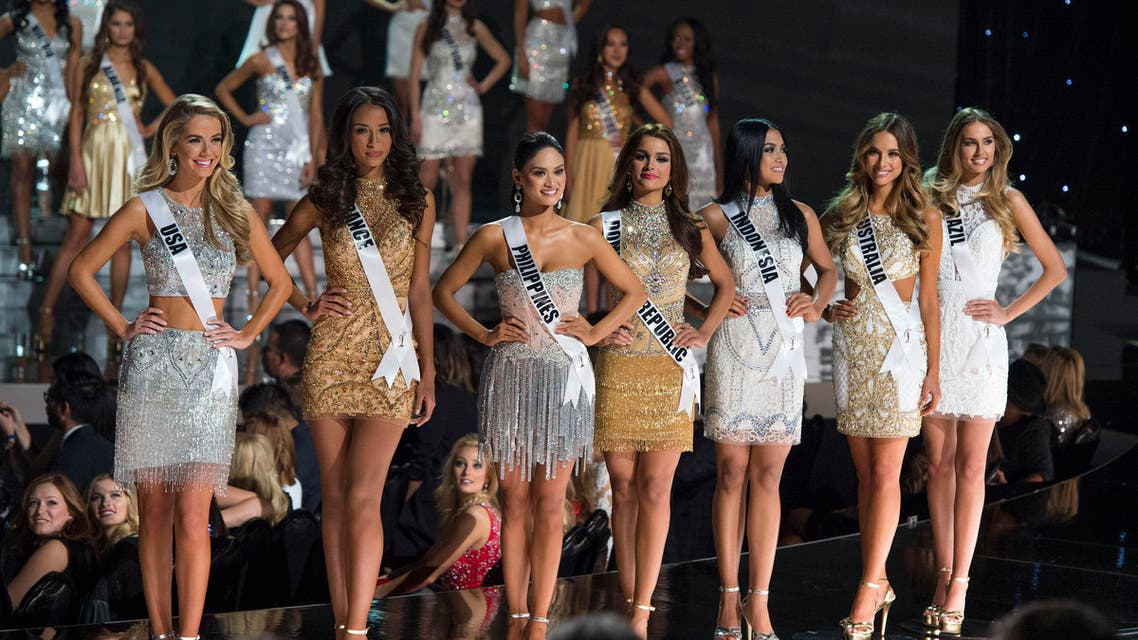 Contestants stand on stage during The 2015 MISS UNIVERSE Show at Planet Hollywood Resort & Casino, in Las Vegas, Nevada, on December 20, 2015. AFP