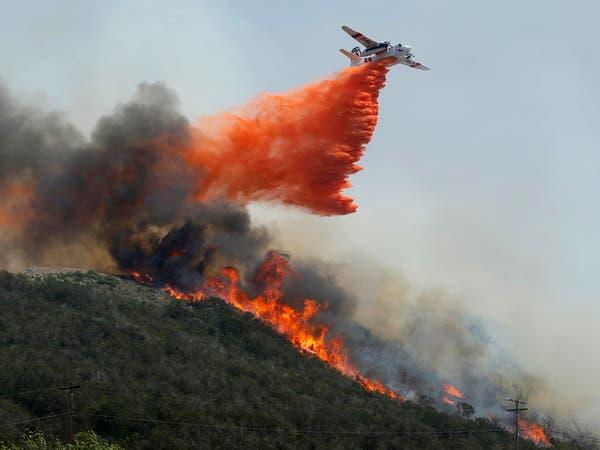 حرائق غابات في غرب كندا تدفع السلطات لإجلاء الآلاف