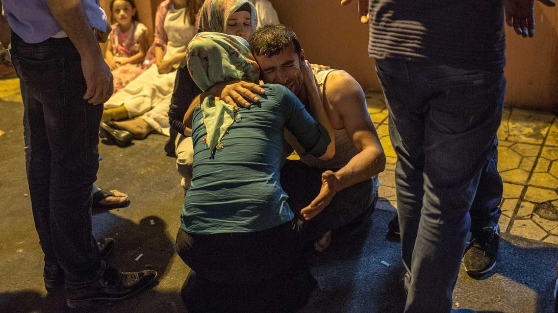Relatives grieve at hospital August 20, 2016 in Gaziantep following a late night militant attack on a wedding party in southeastern Turkey. (AFP)