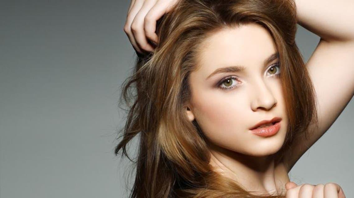 10 زيوت طبيعية تساعد في حلّ جميع مشاكل الشعر