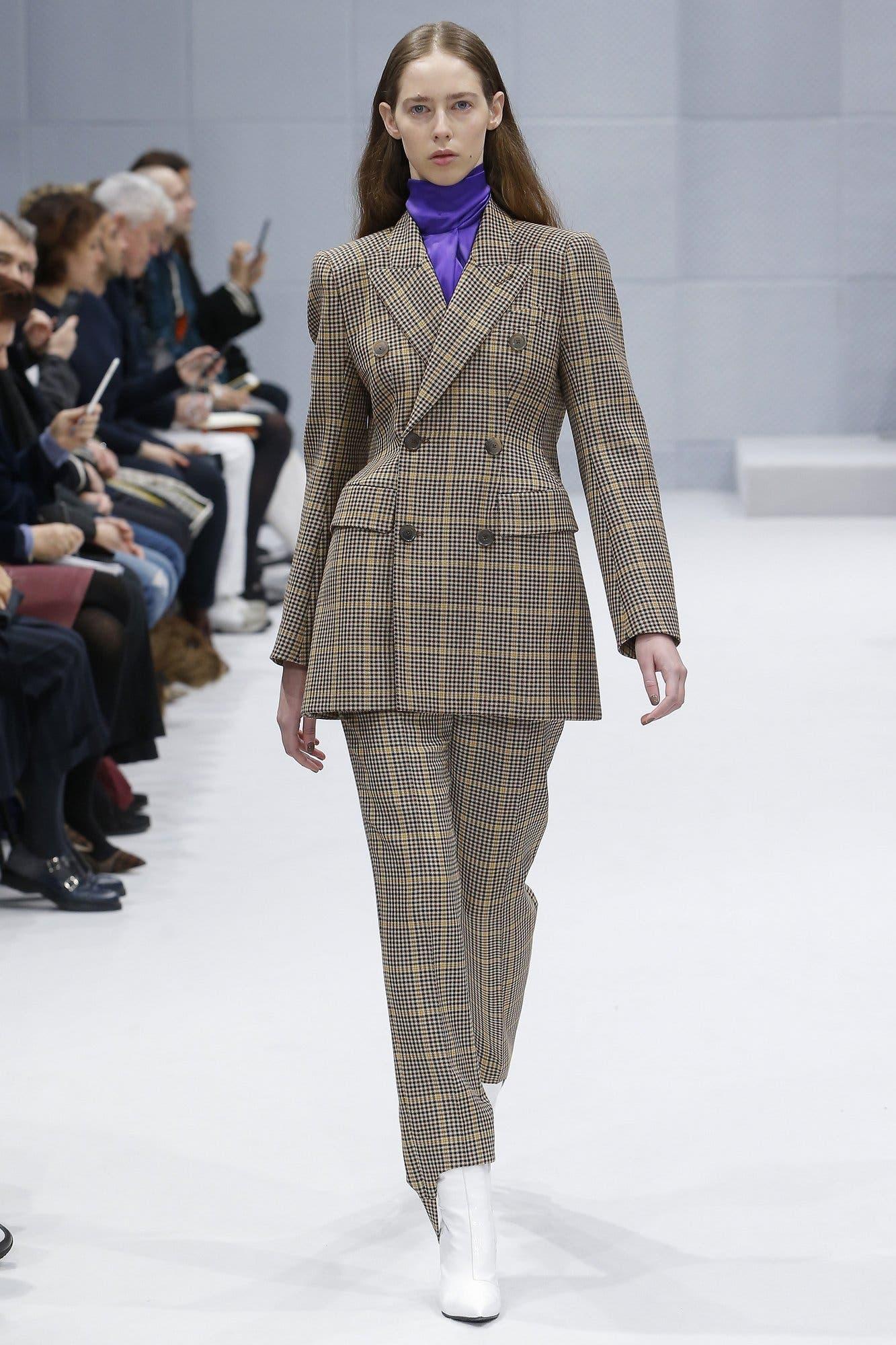 http://media.vogue.com/r/h_2000,w_1640/2016/03/16/03-menswear-01.jpg