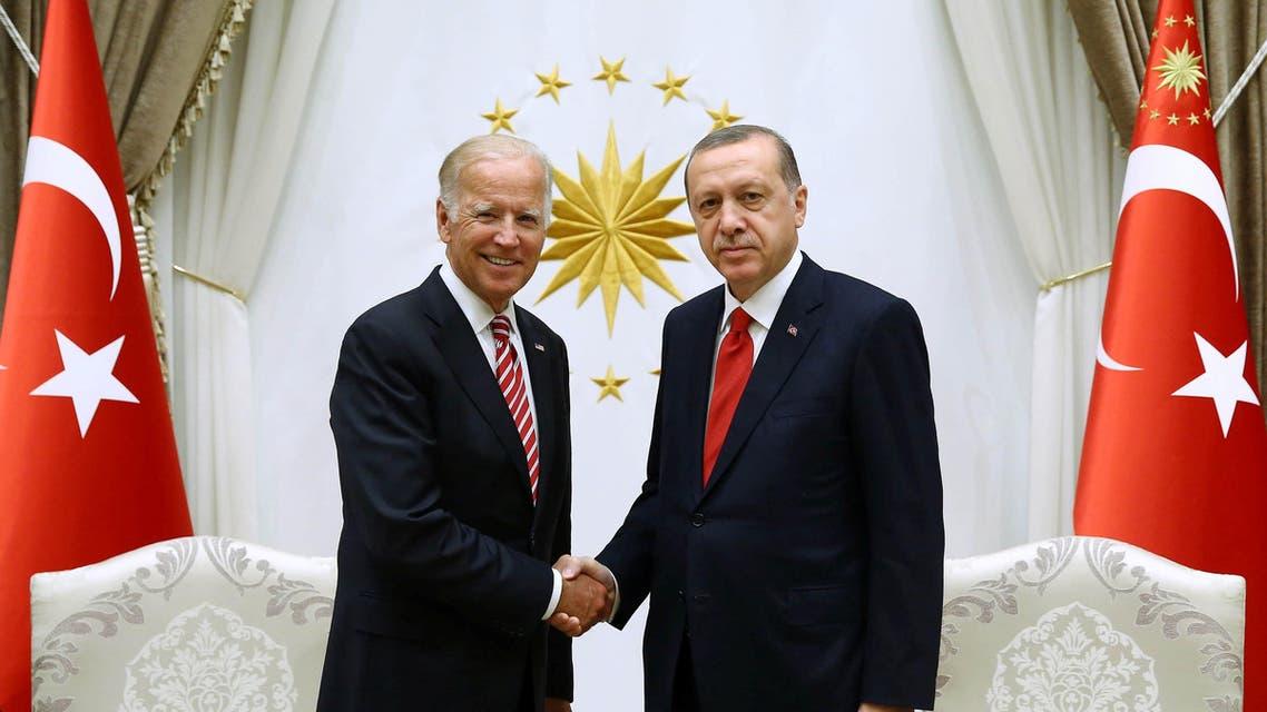 Turkish President Tayyip Erdogan (R) meets with U.S. Vice President Joe Biden at the Presidential Palace in Ankara, Turkey, August 24, 2016. (Reuters)