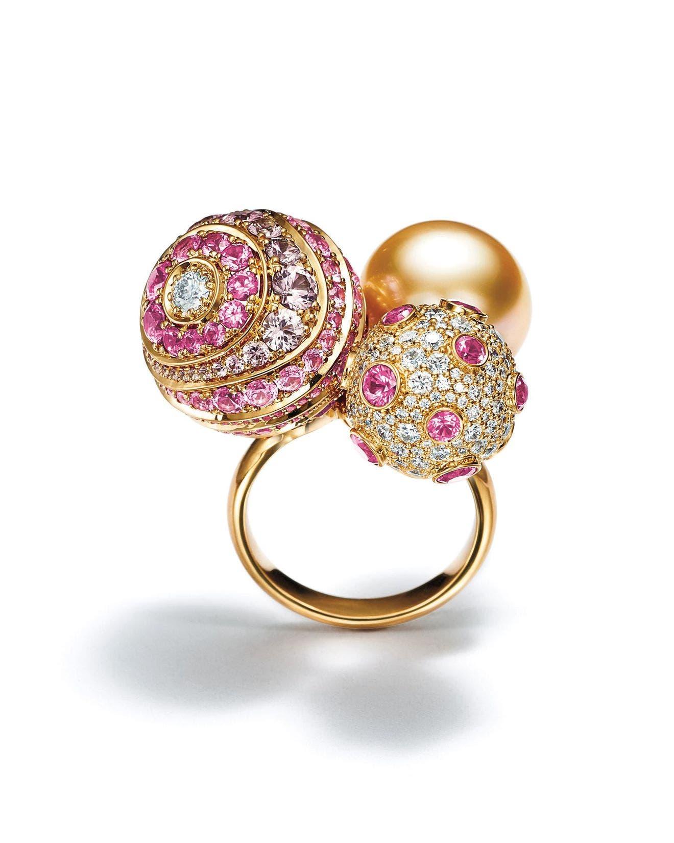 خاتم من الذهب الأصفر المرصّع بالأحجار من تيفاني أند كو