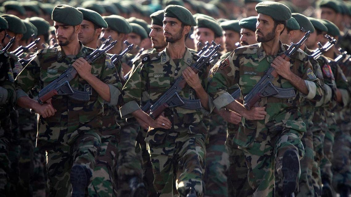 Members of Iran's Revolutionary Guards march during a military parade to commemorate the 1980-88 Iran-Iraq war in Tehran September 22, 2007. (Reuters)
