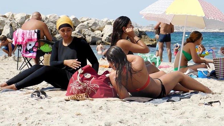 beach-breasts-video