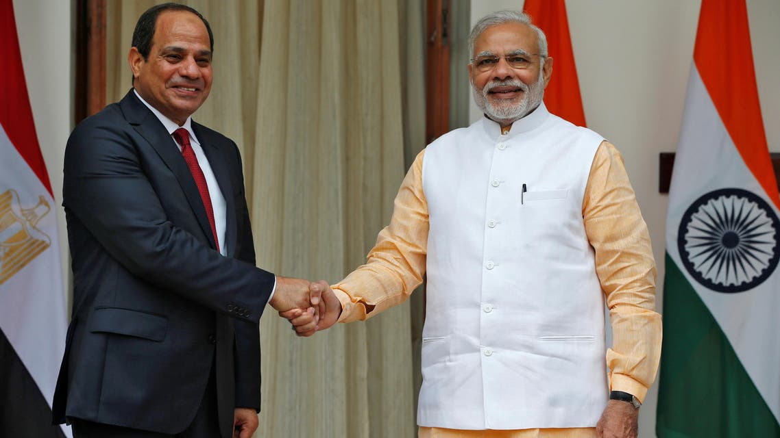 Egypt's President Abdel Fattah el-Sisi (left) shakes hands with India's Prime Minister Narendra Modi during a photo opportunity at Hyderabad House in New Delhi, September 2, 2016. (Reuters)