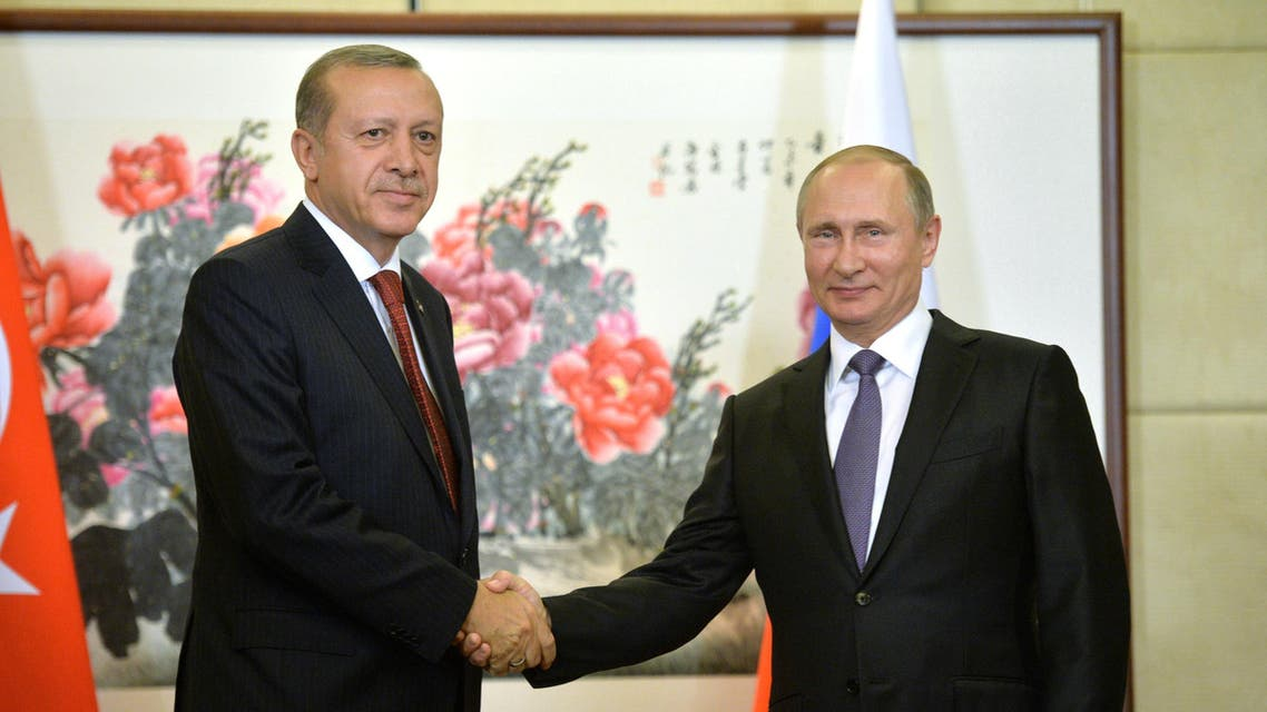 Russian President Vladimir Putin (R) meets with his Turkish counterpart Recep Tayyip Erdogan ahead of the G20 Summit in Hangzhou, China, September 3, 2016. (Reuters)