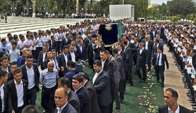 من جنازة كريموف في سمرقند